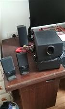 漫步者R101T06用了一年多,外观,音响效果完好,换新音箱了,70块钱甩了。
