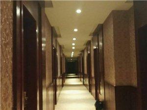 六天商务宾馆,环境舒适,出门50米就是公交站台