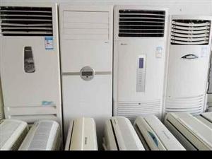 本人有2手空调,都是原装机,制冷效果好,省电,城区内包安装,保质量,挂机价格800~1500,柜机1...