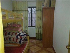 南江花园3室1厅1卫10800元/月