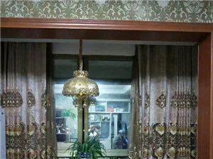 园林新城3室1厅2卫1400元/月