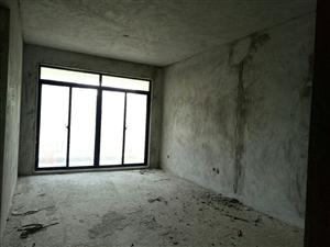伊比亚3室2厅2卫142万元