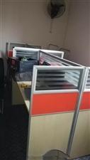 15套办公桌+15把椅子超低价转让。去年(2017年)买的,成色很新。可广泛用于各企事业单位办公、培...