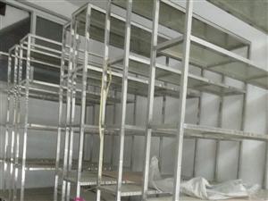 七个货柜置物架,以前做生意的时候请人做的,不锈钢加钢化玻璃。货架总高度265cm 货架脚高10cm...