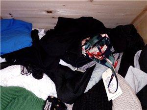 全为八九成新的衣服,部分有吊牌,现超低价出售,有买有送,欢迎选购。(160cm 55kg 基本为均码...