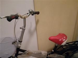 飞鸽自行车,九八成新,买了骑了四天,因为去别处上班了,特转手