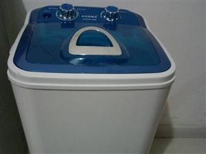 出售九成新婴儿洗衣机     给钱就卖