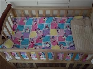 闲置婴儿床,开阳县金秋花园