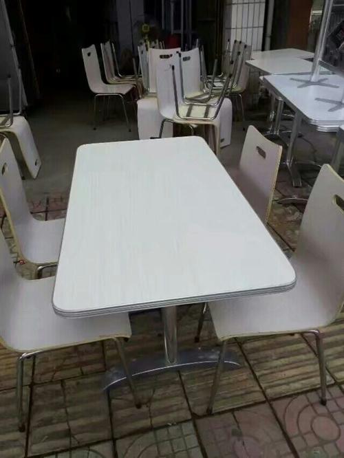 出售:大小圆台,各种餐凳,不绣钢系列,热水器,空调,办公台,电脑台,会议台,文件柜,吧台,酒柜,展柜...