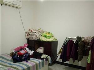 阳光步行街3室2厅1卫1200元/月