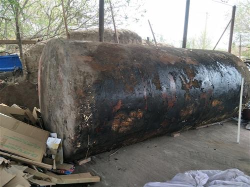 出售能盛10噸水的大灌,盛水盛油都可以