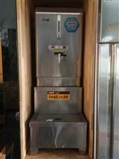 吉之鑫电热开水器一套(开水器+净水器),用了两个月,现低价转让550一套,电话:1364351714...
