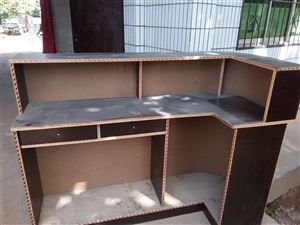 出售二手吧台一个,长1.5米,宽50厘米,高1.2米有需要联系