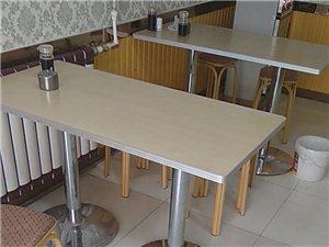 烤盘,桌子,菜架子(50×120),揉面机,不锈钢桌子(180×70)低价出售,有意者电话联系,价格...