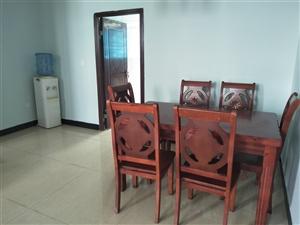 海棠帝景3室2厅1卫43.8万元