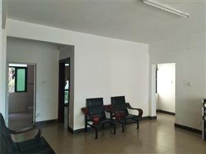 出租海虹家园4室5厅2卫2000元/月