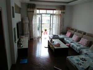 留金广场附近127平米精装3室2厅2卫44.8万元