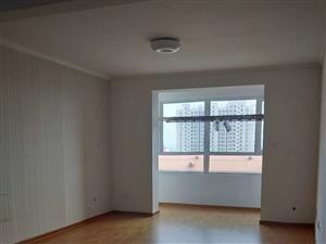 富民小区3室2厅833元/月