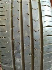 宝骏560原装胎和铝合金钢圈。九成新。钢圈和胎一起300元一条。