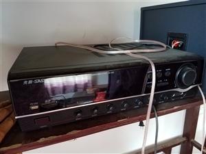 出售先科AV292功放+ktv卡包箱一对,惠威8寸扬声器单元2个,单买一个扬声器都要花198元,共两...