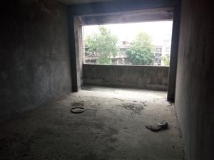 小龙人学校旁财政小区3室2厅2卫48万元