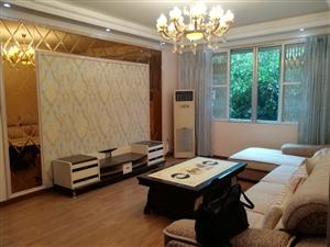 香樟树酒店后面3室3厅2卫70.9万元
