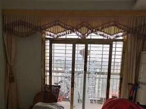 龙湖山庄3室2厅2卫110万元