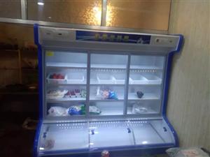 厨房用品便宜处理,冷藏冷冻三门展示柜,95新,使用了半年,原价4800,现1800