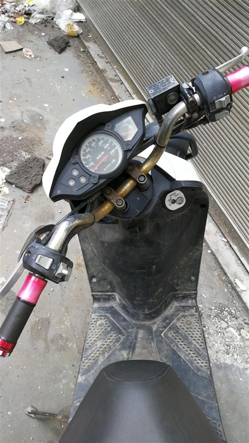 陆虎摩托车   跑了两千公里  证件齐全见面交易