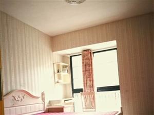 美地华府3室2厅2卫1300元/月