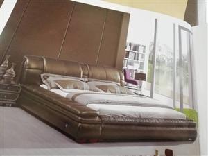 全真皮床,基本没用过。9.5成新。原价9800元,现价4800。有意者电话联系,价格可以协商。