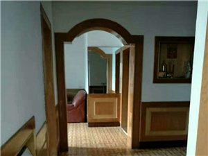 刘晓公园房3室2厅2卫29.8万元