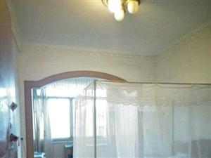 家属院3室2厅2卫53万元