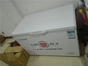 出售二手隔断,货架,冰柜,价格便宜出售,非诚勿扰,电话15174248325.
