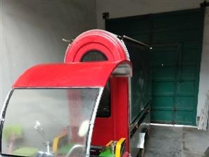 9成新电动三轮小吃车,能烧烤,两个大锅,一个小锅,一个烧板