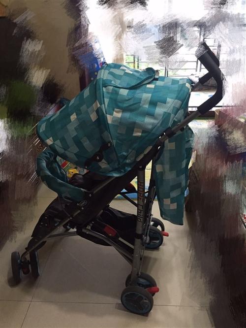九成新婴幼儿手推车,可坐可躺,三档调节,可折叠,轻松放入汽车后备箱,带娃出行方便!因宝宝不爱坐车,现...
