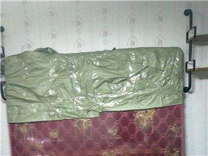 刚买了一米八床垫没用过席梦思品牌现转让给有需要的人,原价2000多现300块便宜处理!