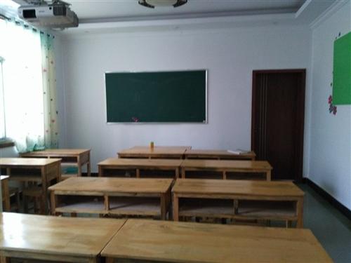 轉讓 由于本人個人身體原因無法管理,現將一棟三層培訓教室轉讓,面積大約260平米,地理位置優越,臨...