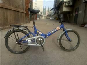 家有一辆学生用自行车,8成新,用很少时间,八成新,前后带都是新的,现在不用卖,一口价卖30元。