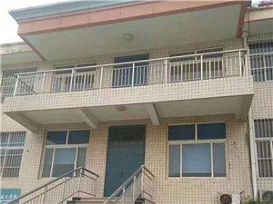 东关小区,三层别墅对外出租,可分组
