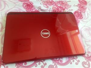 戴尔笔记本M5110, 成色九成新,四核a8处理器,运行内存4g硬盘500g,独显1g+512m,双...
