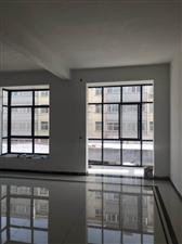 三高附近三层别墅可办公居住2200元