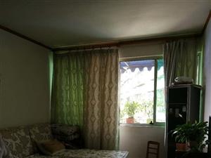 围城路2室2厅2卫45.8万元