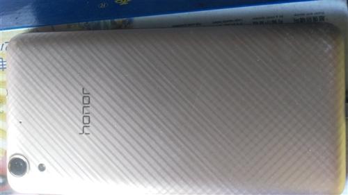華為手機型號為AM一AL00八成新,家里手機多,