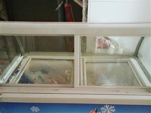 店铺到期,店里物品全部处理,基本上都用了两三个月,在店里闲置几个月落灰了,冷冻冷藏冰激凌冰柜580....