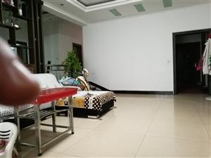景秀公寓小区4室2厅2卫52万元