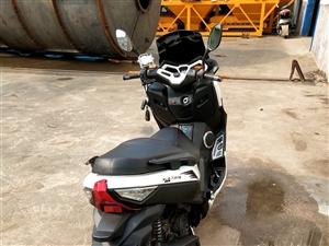摩托车准新车,打算换车,跑一千多公里,手续齐全。150排量。可以小刀。