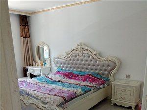 御龙苑  2室合租   出租1间卧室