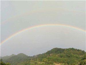 漂亮的彩虹.今天你看见了吗?
