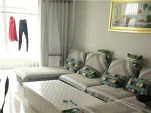 新床一张,新方桌一个,9成新双宫女交椅一款,带交椅垫一款